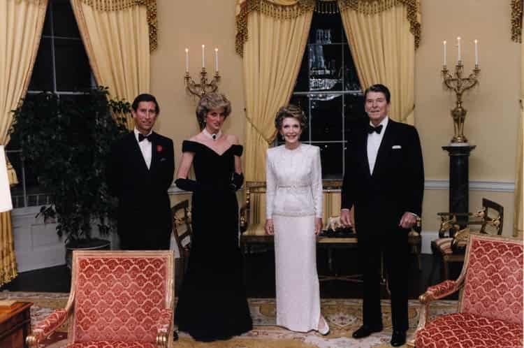 Prince_Charles,_Princess_Diana,_Nancy_Reagan,_and_Ronald_Reagan_(1985)-min